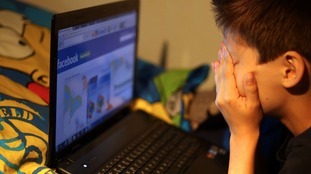 Children spending too much time online