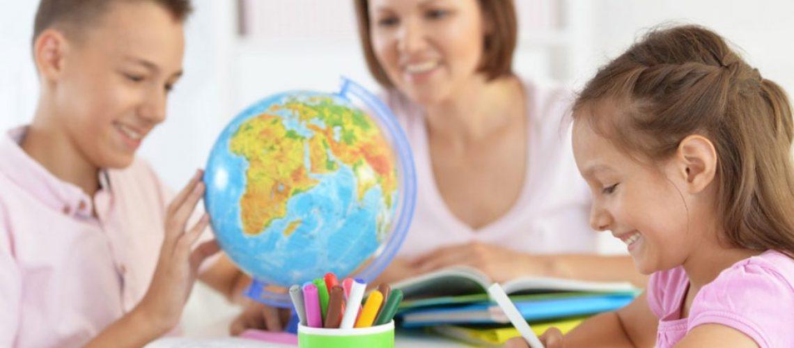 home-school-expat-children-980x515